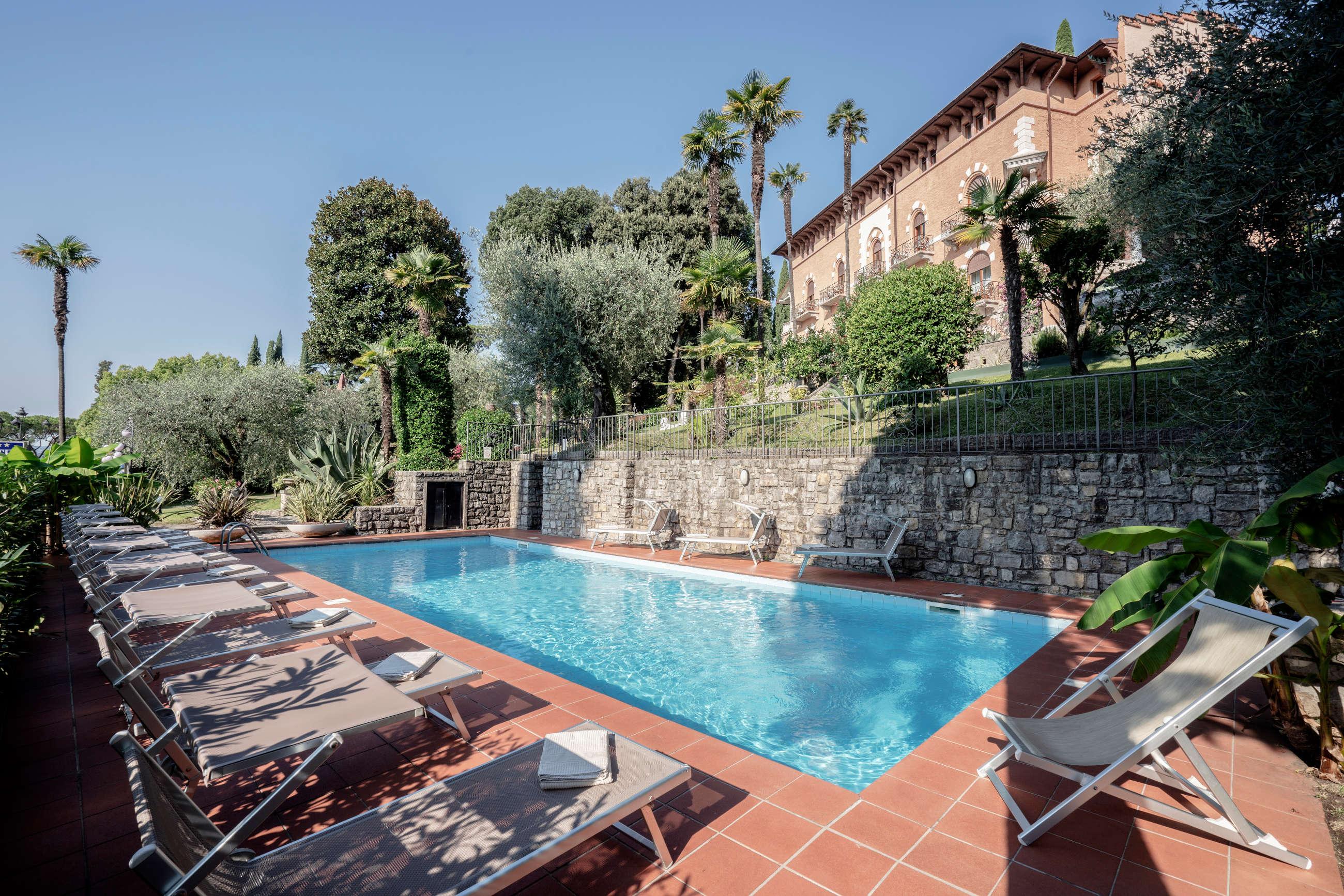 hotel-con-piscina-gardone-riviera